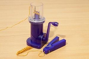 1969Т Устройство для плетения шнуров